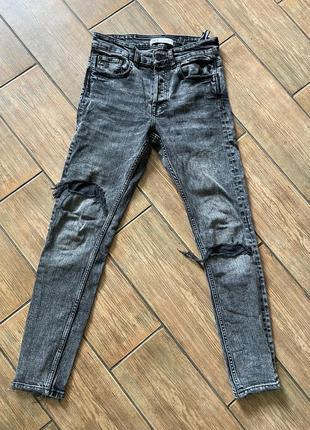 Крутые zara рваные джинсы для парня