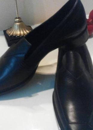Новые кожаные туфли размер 37