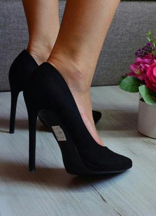 Туфли лодочки черные в наличии