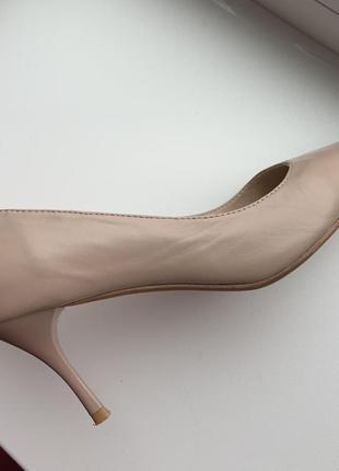 Кожаные бежевые туфли лодочки sharman6 фото