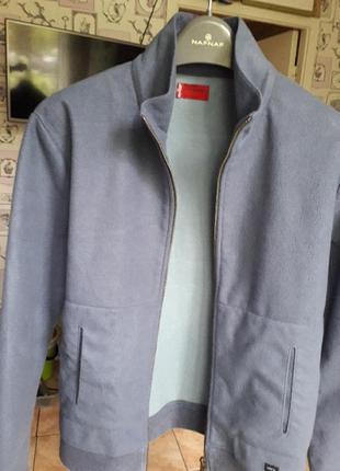 Весеняя флисовая куртка levi's