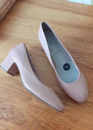 Круті фірмові туфельки