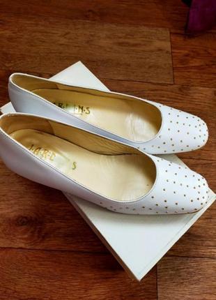 Туфлі білі вінтажні