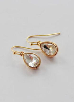 Красивые серьги капли с камнями - элегантная простота