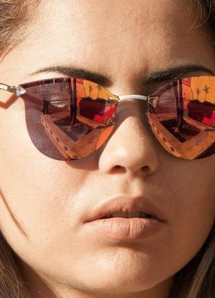 Модные солнцезащитные очки fеndi
