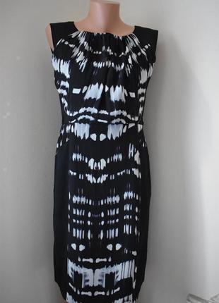 Распродажа!!!красивое платье-футляр с принтом1 фото