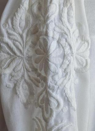 Платье миди zara белого цвета  с вышивкой.7 фото