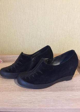 Ботинки. туфли на осень