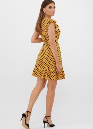 Короткое  платье в горошек с поясом сукня с рюшами в горошок коротка коротке плаття4 фото