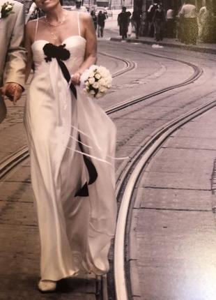 Сукня вечірня або шлюбна, італія