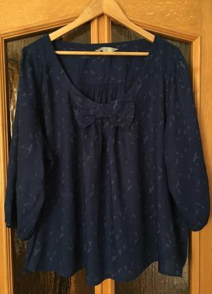 Блуза с ласточками