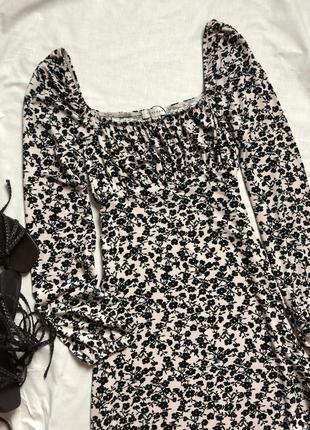 Мини платье в мелкие цветы с квадратным вырезом и пышным рукавом topshop4 фото