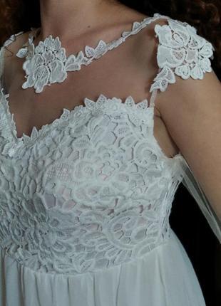 Платье свадебное с кружевам