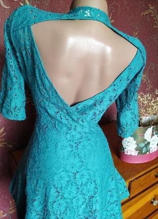 Бирюзовое кружевное платье с открытой спиной от river island6 фото