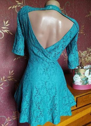 Бирюзовое кружевное платье с открытой спиной от river island5 фото