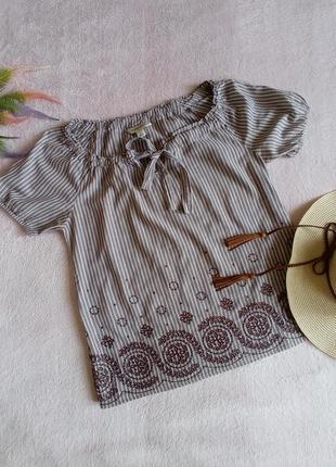 Хлопковая блуза с вышивкой