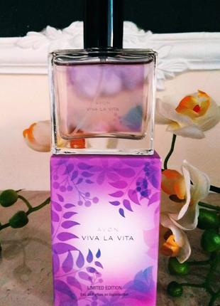 Чарующий аромат  viva la vita avon
