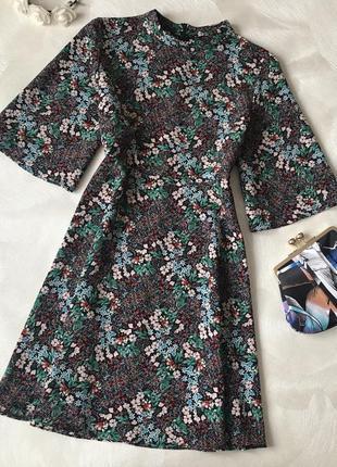 Красивое платье zara в цветочек сукня