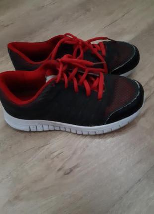 Летние фирменные кроссовки