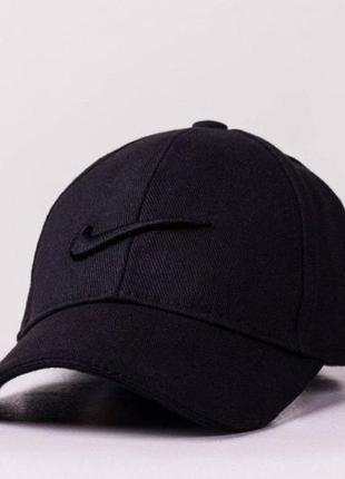 Кепка черная с лого nike