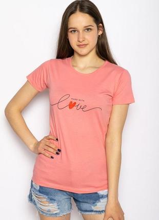 Розовая женская футболка с надписью