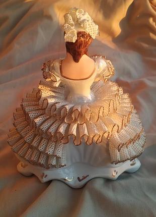 Коллекционная статуэтка фарфор винтаж антиквариат девушка принцесса барыня есть дефект2 фото