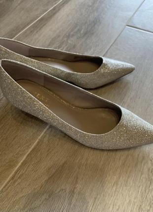 Неймовірні туфлі!! блиск золото із сріблом4 фото