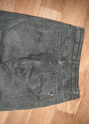 Стильные джинсы момы ( отлично тянутся) размер l-xl.5 фото