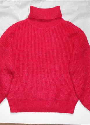 Объёмный свитер с высоким горлом м-размер