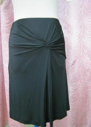 Супер черная юбка из тяжелого трикотажа.