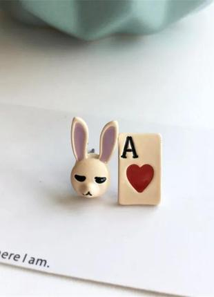 Асимметричные серьги алиса в стране чудес карты белый кролик заяц гвоздики золото