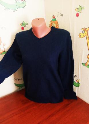 Тоненький шерстяной пуловер