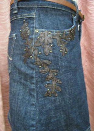 Джинсовая юбочка с декором из кожи