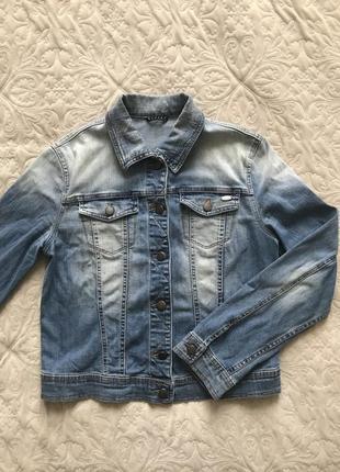 Модная джинсовая куртка sisley s/m/l