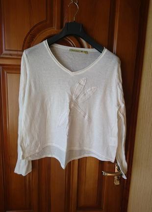 Молочного цвета трикотаж котоновый свитерок р-р l ,по груди 116