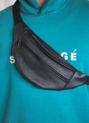 Стильная бананка сумка из натуральной кожи, слинг черная кожа б20