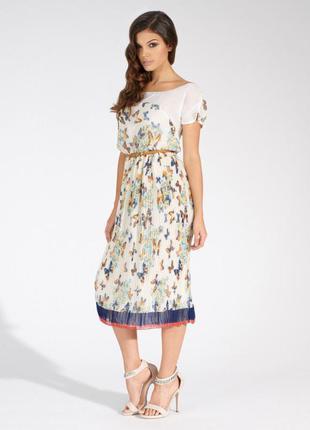 Коктельное платье прямого кроя с юбкой плиссе