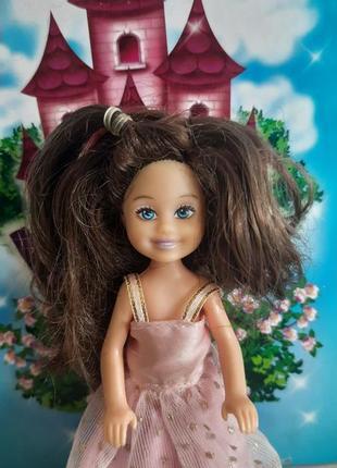 Красивая куколка