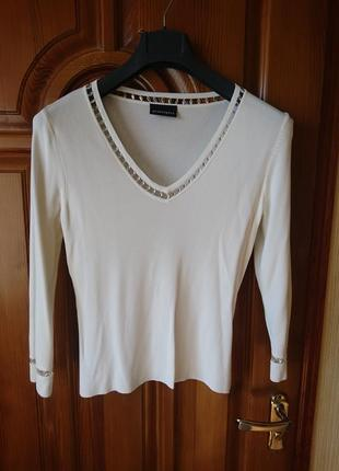 Вискоза молочный свитерок р-р евро 42