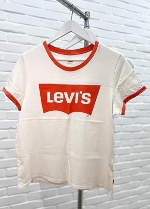 Белая футболка levis {оригинал levi's с надписью на груди оранжевая}