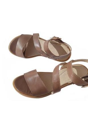 Женские сандалии кожаные 36