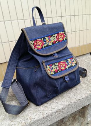 Рюкзак з вишивкою троянди