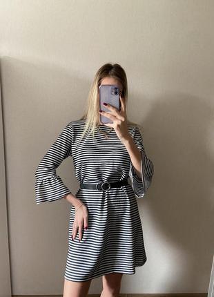 Крутое платье свободного кроя
