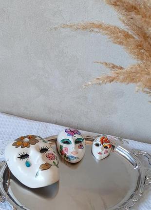 Три антикварні венеціанські керамічні маски