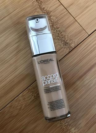 Тоналка тональна тональная основа l'oréal тональний крем