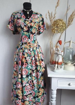 Платье. миди. в цветочный принт. на пуговицах винтажное. винтаж. ретро. халат