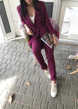 Очень крутой джинсовый прогулочный костюм штаны и кардиган ! стрейч-джинс ! слива цвет