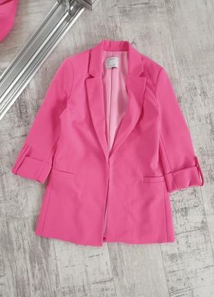 Розовый пиджак свободного кроя bershka