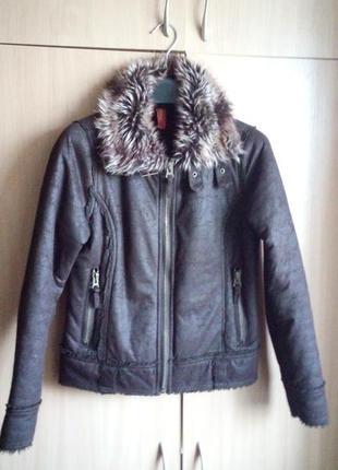 Тепла осіння курточка фірми denim