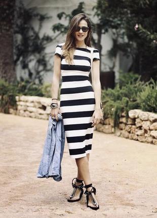 Платье полосатое чорно-белое gap